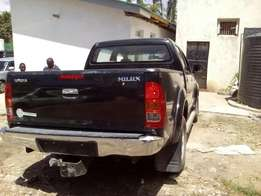 Toyota hilux double cabin 3ltr, 2010 model brand new on sale.
