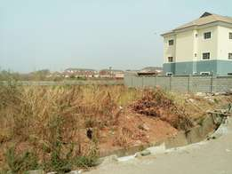 750sqm land available for a block of flats in a nice estate in Gaduwa