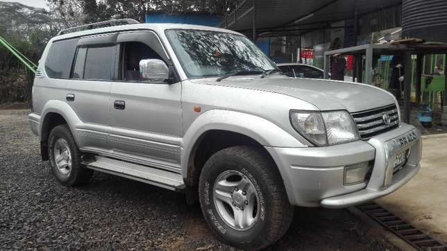 Toyota prado KAZ 7seater 2001 diesel super clean buy and drive auto Hurlingham - image 2