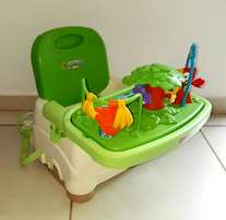 Portable highchair and booster seat in one - Fisher Price Rainforest