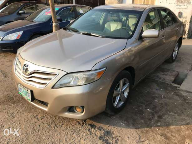 Registered 2007 Toyota Camry (Leather seats,upgraded 2011 kit) 1.98M Surulere - image 2