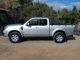 Ford Ranger 3.0 XLT Supercab 4x4 with canopy for sale in Bloemfontein