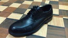 a BELLE formal/office pure leather and rubber shoe sz 43(UK 9)