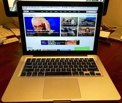 MacBook 17 Inches Core i7
