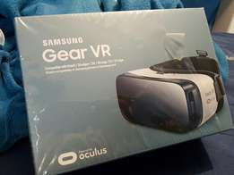 TWO NEW Samsung Occulus Gear Vr with warranty card