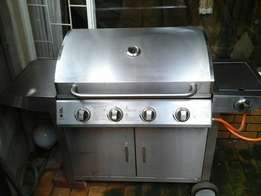 Stainless Steel 4 Burner and Side Burner Gas Braai for Sale!