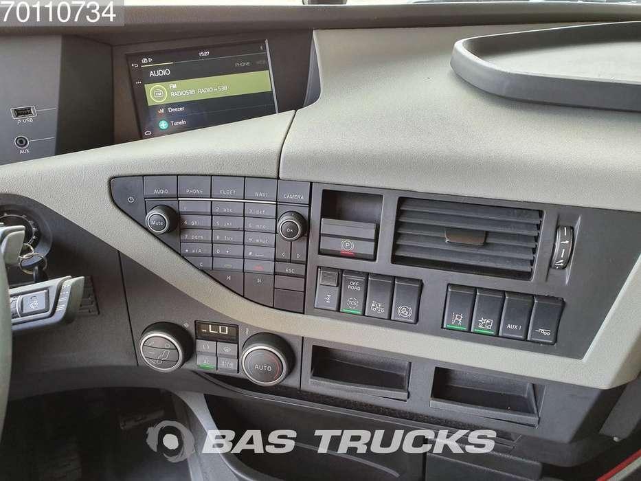 Volvo FH 460 4X2 Retarder I-ParkCool ACC Euro 6 - 2017 - image 11