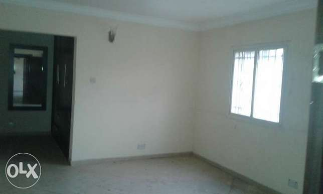A Lovely 2 Bedroom Penthouse for Rent in Lekki Phase 1, Lagos. Ikoyi - image 4