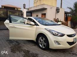 white Hyundai Elantra for sale Nigeria use but very clean