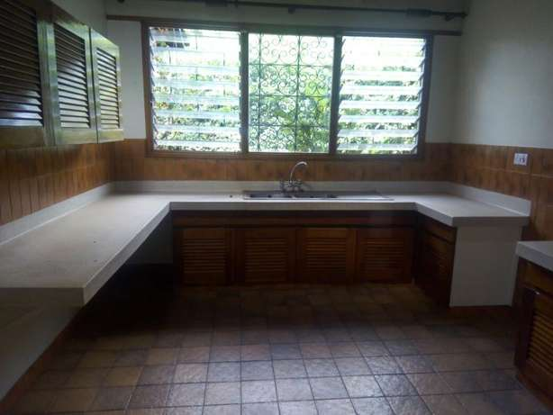 4 bedrooms bungalow to lett in lakeview. Westlands - image 2