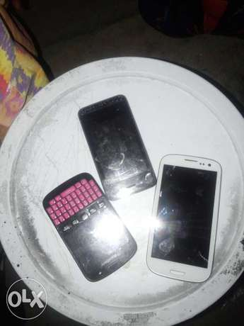 am selling s3 sumsung and other two dead Johannesburg CBD - image 1