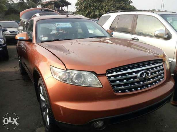Foreign used 2005 infiniti fx35. Direct tokunbo Lagos Mainland - image 2