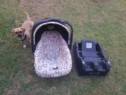 aby carry cot/baby car seat plus base(peg-pérego).