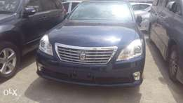 Blue Toyota Crown Available for Sale