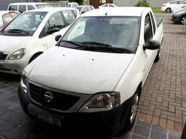2015 Nissan NP200 1.6 safety pack
