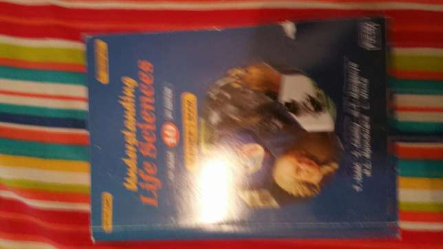 Grade 10 setbooksa and textbook Gillitts - image 2