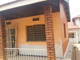 3 bedroom 2 bathroom gated house with ample parking & 24 hr security