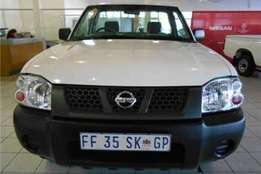 Nissan np300 for sale