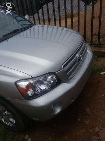 Clean 2005 tokunbo highlander. 3row Lagos Mainland - image 3