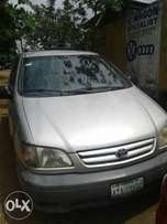 Super clean reg toyota Siena 03 for sale