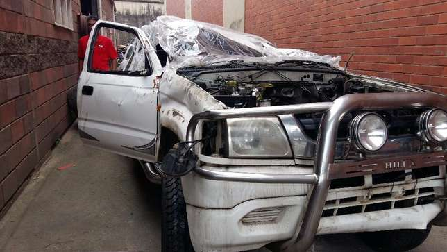 2002 Hilux KZTE , now Stripping for Spares Durban North - image 2