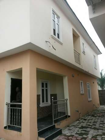 3 bedroom duplex in terra annex by golden park estate in ogidan, Lagos Eti Osa East - image 2