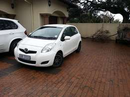 2010 Toyota Yaris T3 1.3 - 5 Door - AUTOMATIC - R117 000