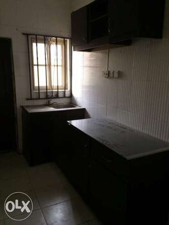 Clean 2bedroom flat to let in Osapa London Lekki - image 5