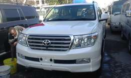 Land cruiser zx v8 year 2010 special offer kcn