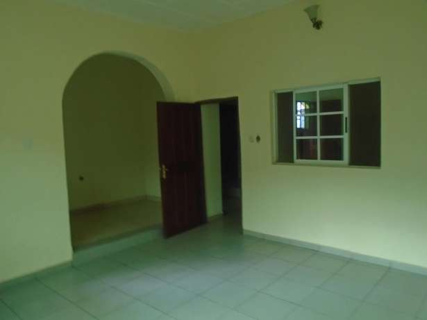 A well finished 2 bedroom bungalow at Eliowhani farm road by Deliosa h Port-Harcourt - image 2