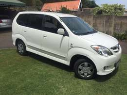 2009 white toyota avanza in excellent for sale