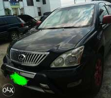 Lexus RX330 Fully loaded 2005 numbered