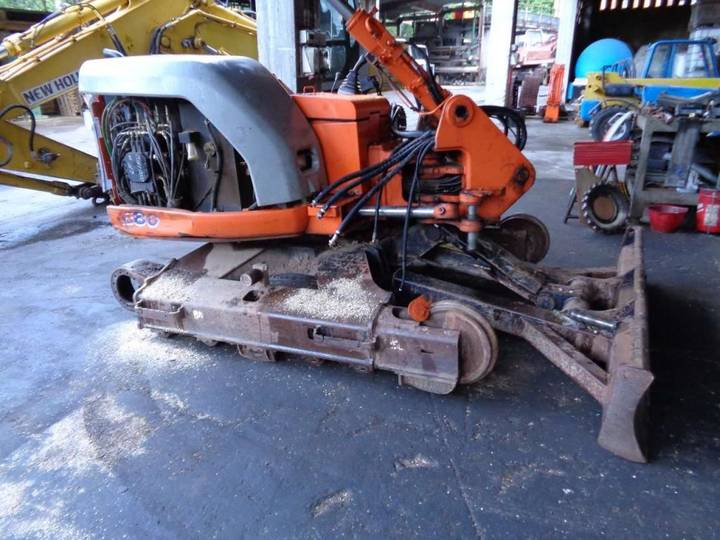 FIAT KOBELCO cab for  excavator for parts - 2004