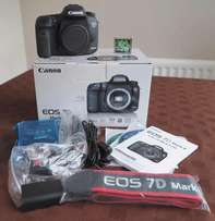 Canon EOS 7D Mark II Digital SLR Camera 64GB Deluxe Accessory Kit