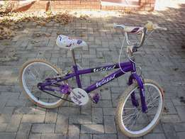 Girl's Bicycle R900.00 Neg