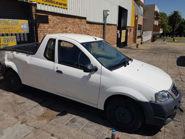 Nissan Np200 1.6 now Breaking for PARTS Johannesburg - image 5