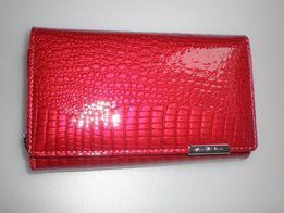 b696952354bb4 Damski portfel portfele ze skóry lakierowanej Jennifer Jones 5261-2