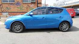 2013 model hyundai i30 hatchback,blue,83 000km,for sale