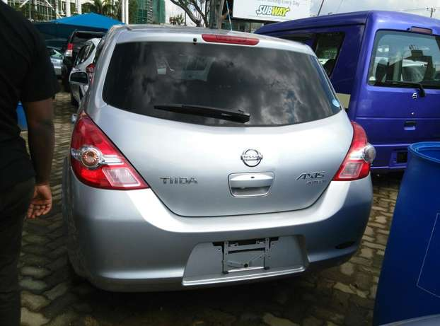 Silver Tiida ax15 ,2009 Model,1500cc,Alloy Wheel,Semi-leather Seats, Nairobi CBD - image 7
