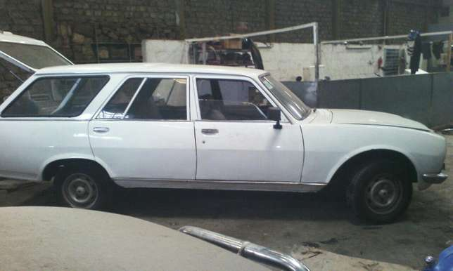 Peugeot 504 Station Wagon Classic for Sale Industrial Area - image 3