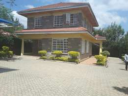 Beautiful 4 BR House and DSQ in Ongata Rongai