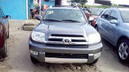 Toyota 4runner 2005 Silver (3seats row)