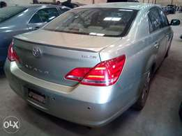 Toyota Avalon 2005 Model