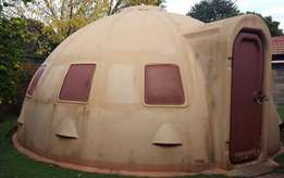 Igloo Fiberglass Wendy