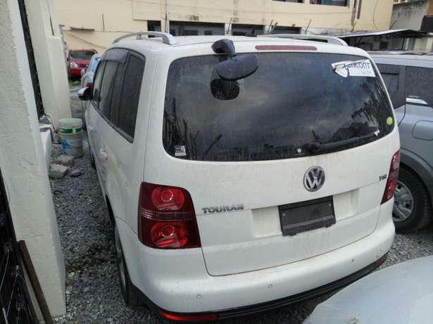 Volkswagen Touran KCM number 2010 model loaded with alloy rims, g Mombasa Island - image 5