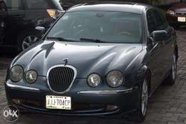Neatly Used Jaguar S-Type 2000 Blue (V6 Engine)