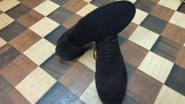 an authentic ZARA MAN pure suede leather wingtip derby size 43(uk 9) Kampala - image 4