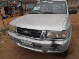 an isuzu rodeo 1999 model for sale
