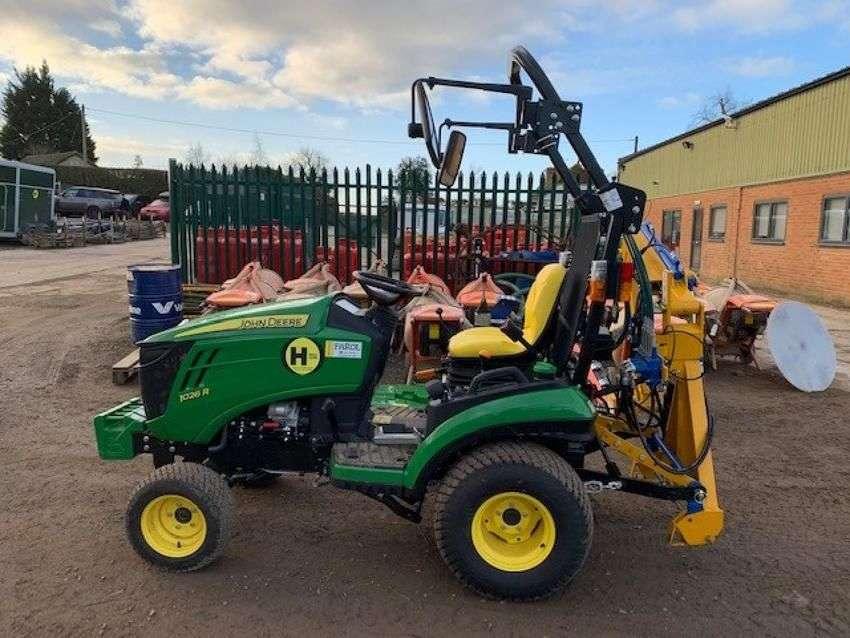 John Deere 1026r compact tractor - 2018