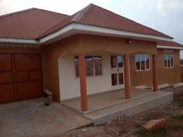 three bedroom stand alone house for rent in namugongo at 800k